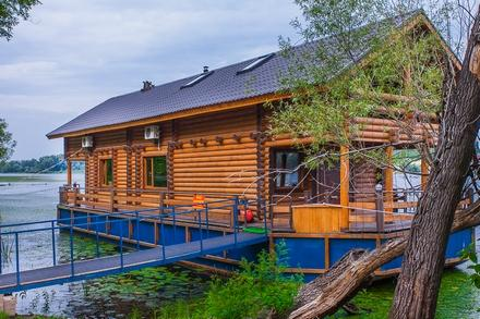 Русская баня в доме на воде фото