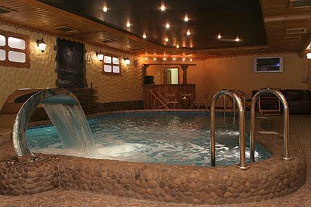 Spa-центр Мисливський Двip фото бассейну з водоспадом